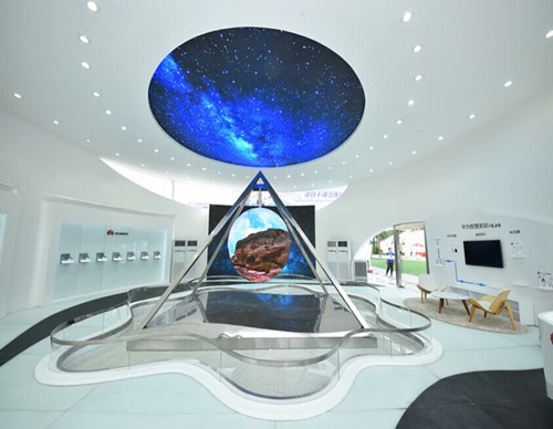 Huawei showroom (Shanghai Tennis stadium) Diameter 2.2m indoor P4 sphere LED display